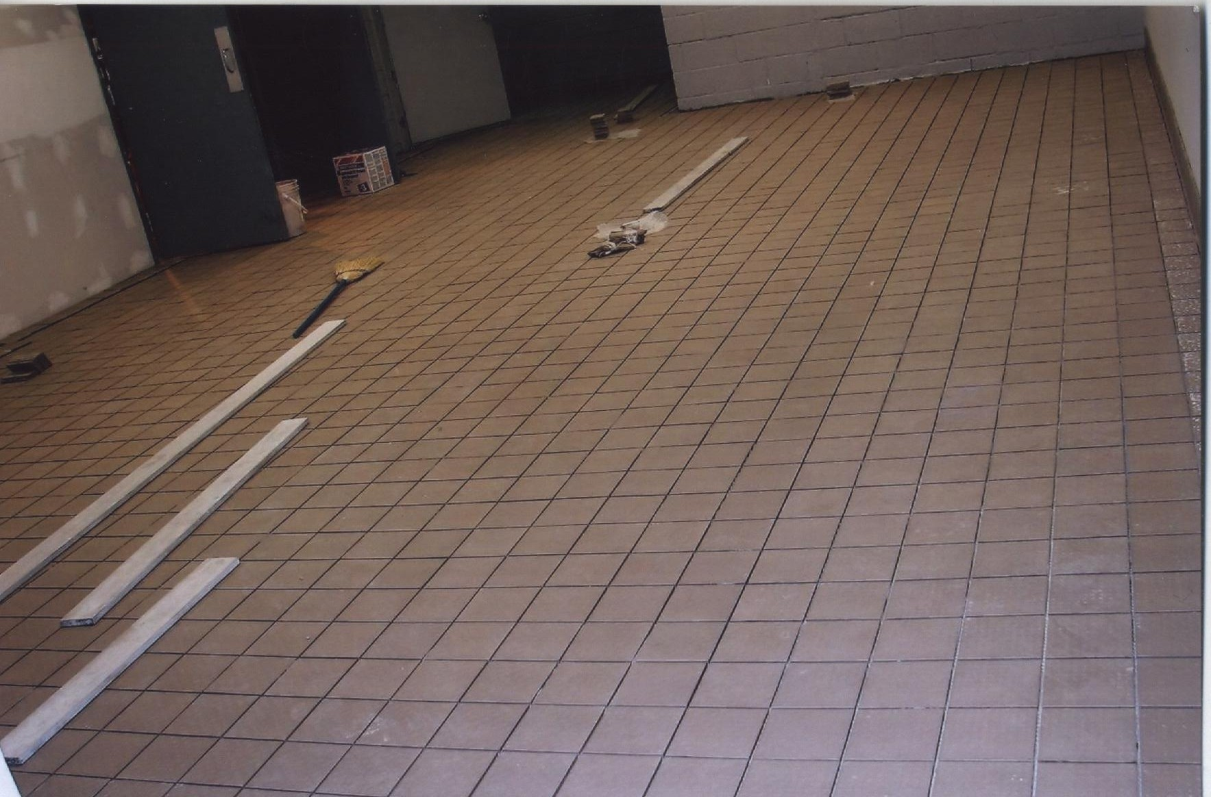 Commercial kitchen tile flooring